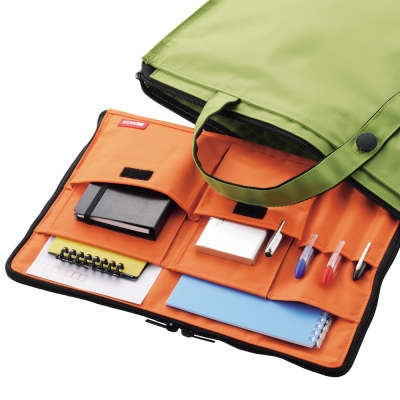 鞄の中から必要なものをサッと取り出す方法